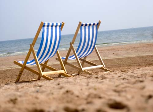 Superbe Why Struggle To Carry Chairs To The Beach? You Can Hire Deckchairs, Sun  Loungers, Parasols And Wind Breaks From Our Friendly, Helpful Staff.